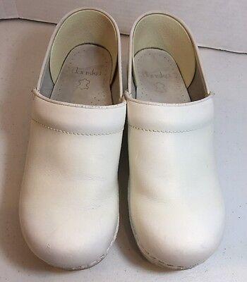 DANSKO Solstice white leather Professional clogs shoes Womens sz 38 (7.5-8 u.s.)
