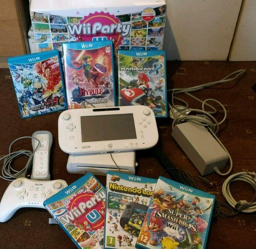 Nintendo Wii U (basic white) + Games & Extras