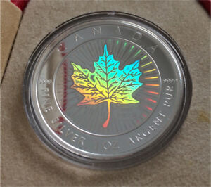 2001 Royal Canadian Mint Holographic Silver Maple Coin
