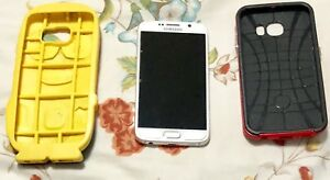 Samsung Galaxy S6 32GB w/ 2 Cases! Great Condition!