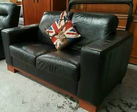 Black leather 2 seater sofa in vgc can deliver 07808222995