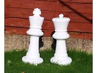 King n queen (white) ;cast stone garden ornaments