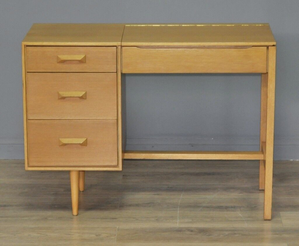 Attractive Small Vintage Retro Stag Oak Dressing Table Desk With Internal Mirror
