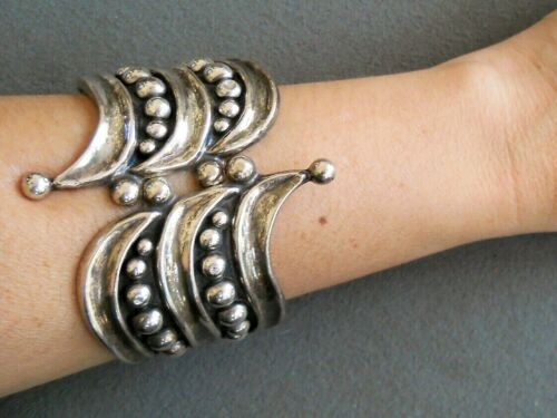 Southwestern Style Bead Row in Tracks Sterling Silver Clamp Hinged Bracelet