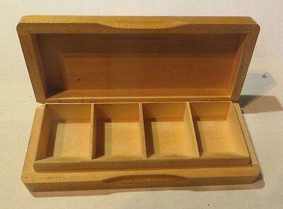 Boite à bijoux en bois avec 4 compartiments –