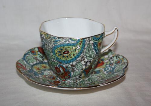 ROSINA TEA CUP AND SAUCER SET Made in England Bone China 5031 Vintage Teacup