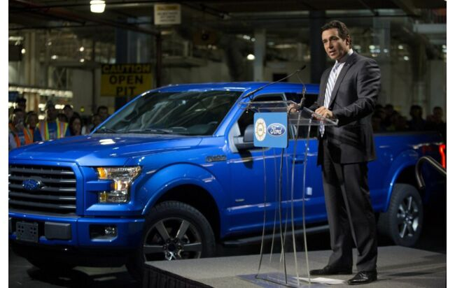 Ford-Chef Mark Fields mit dem Bestseller der Marke, dem Pick-up F-Series