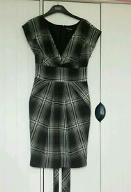 Warehouse dress size 8