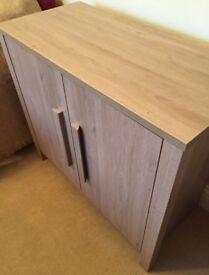 Oak sideboard - like new!