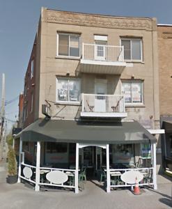 Vieux-Longueuil, bureau commercial dans ambiance résidentielle
