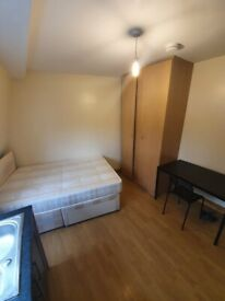 Large studio flat in the heart of Wandsworth £800 PCM. Bills included DSS Welcome.