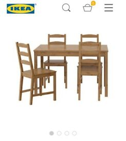 Ikea table with 4 chairs, few scratches on the edges