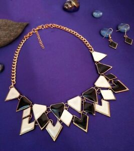 Gorgeous black and white Statement Necklace