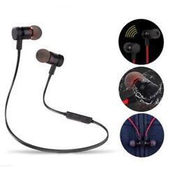 Magnetic wireless Bluetooth headset