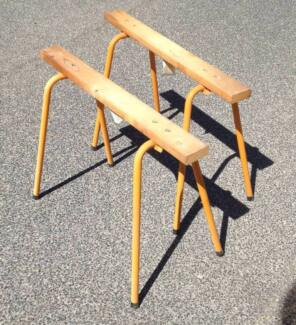 PAIR OF SAW WORK BENCHES HARDLY USED