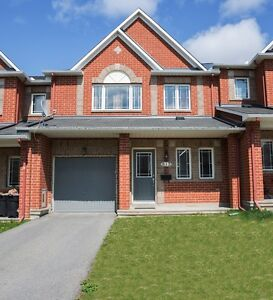 Townhome for Rent Ottawa 815 Clearbrook Drive