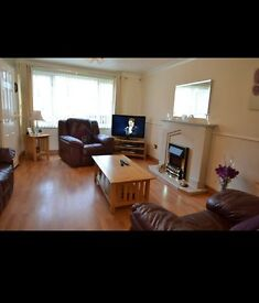 LOVELY THREE BEDROOM TERRACED HOUSE FOR SALE - CLOSE TO CITY!!