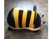 Wheely bumble bee ride on - Large