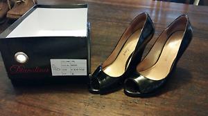 Black Patent Size 6 Womans Shoes Owen Wakefield Area Preview