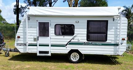 KEDRON CARAVAN, ROLL OUT AWNING, FULL ANNEXE, ISLAND BED