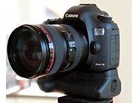 Canon EOS 5D Mk III + EF 24-105mm f/4L IS USM Lens. Exc ++