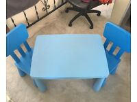 Mamut Children's Table & chairs