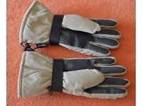 Waterproof Ski Gloves. Men's Size Large. Never used.