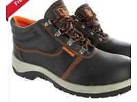 Clearance & Bankrupt Stock of Safety Boots to Clear