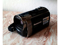 Panasonic SDR S70 Camcorder - Black (SD Card Compatible x78 Optical Zoom and Wide Angle Lens)