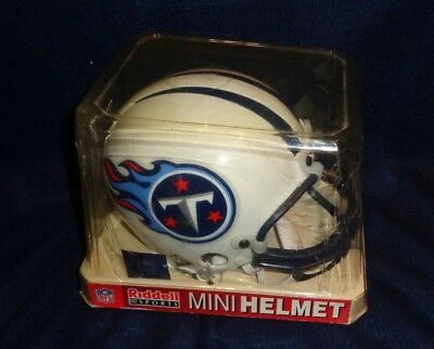 (NFL Tennessee Titans Replica Mini Football Helmet Riddell Sports )