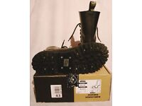 Original, Brand new -BLACK STEEL 10 EYELET SHOES SIZE: UK-9 EU-43