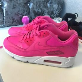 5.5 lady's Nike air max trainers