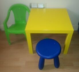 Centre table with kids chair