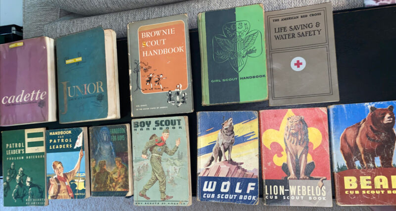 Vintage Lot Of 12 Boy Scout and Girl Scout Books 1960-1961 (1948)
