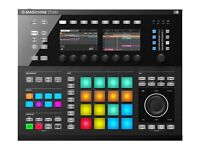 Amazing condition!! MASCHINE STUDIO FOR SALE £515.00 comes with hardware,software and Komplete.