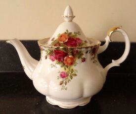Royal Albert Old Country Roses Large Tea Pot