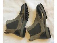 Ladies silver n grey boots