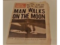 vintage 1969 First Man Walks On The Moon Daily Mirror newspaper
