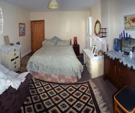 Room with shared cooking and bathroom close to city centre