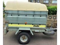 Trailer, fitted with removable dog boxes. Very sturdy, no defects.