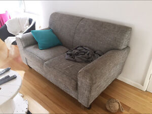 2 seater lounge Cooks Hill Newcastle Area Preview