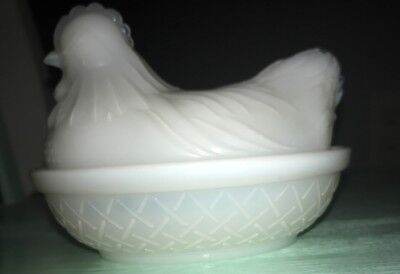 - Vintage Opaque Milk Glass Opalescent Opaline White Rooster Hen On Nest