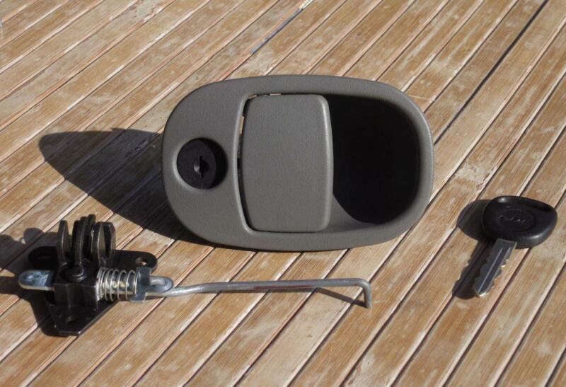 Chevy Trailblazer Glove Box Latch
