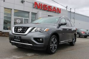 2017 Nissan Pathfinder PLATINUM EDITION 4X4 7-PASSENGER LUXURY!