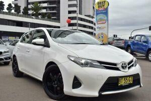 2012 Toyota Corolla ZRE182R Ascent Hatchback 5dr S-CVT 7sp, 1.8i [Oct] Glacier White
