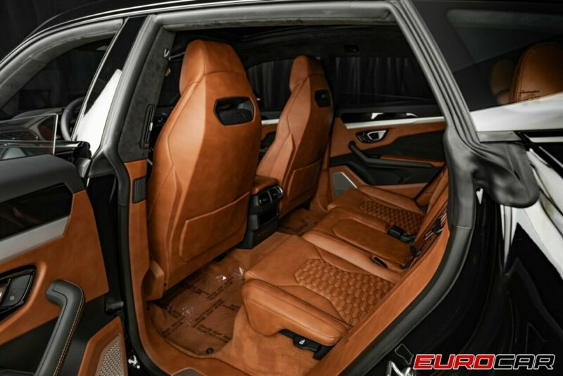 Image 21 Voiture Européenne d'occasion Lamborghini Urus 2020