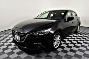 2014 Mazda Mazda3 Sport GS-SKY. Low kilometers. Back-up cam. bac