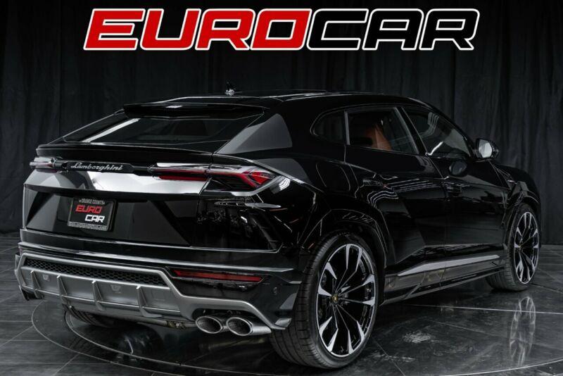 Image 5 Voiture Européenne d'occasion Lamborghini Urus 2020
