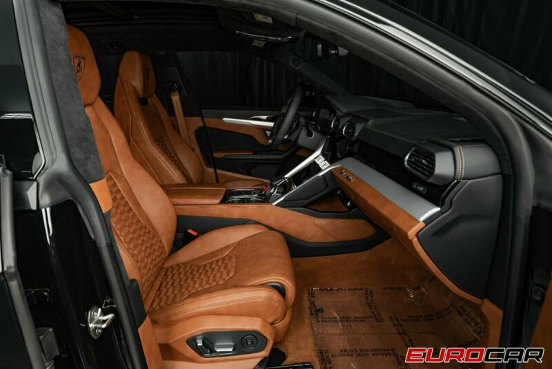 Image 17 Voiture Européenne d'occasion Lamborghini Urus 2020