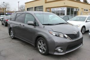 2011 Toyota Sienna SE 8 Passenger Loaded Sunroof
